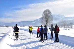 Instruktionen der Bewegungsabläufe vom Skilanglauflehrer Wolfram Bittner